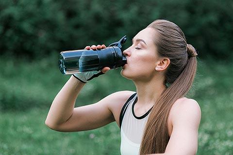 Dehydration führt zu Augenringen