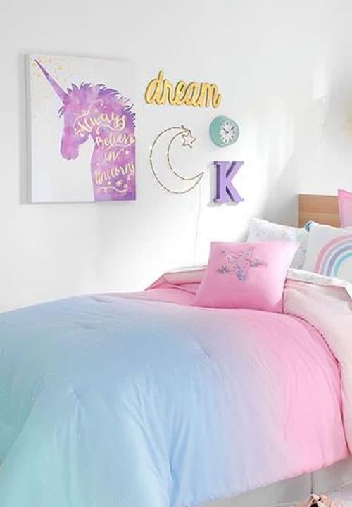 Kinderschlafzimmer im Einhorn-Look für Mädchen einrichten