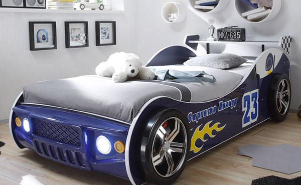 Kinderzimmer mit Autobett